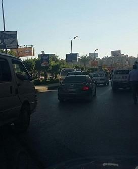 أعمدة الإنارة مضاءة في شارع الثورة بمصر الجديدة (صور)
