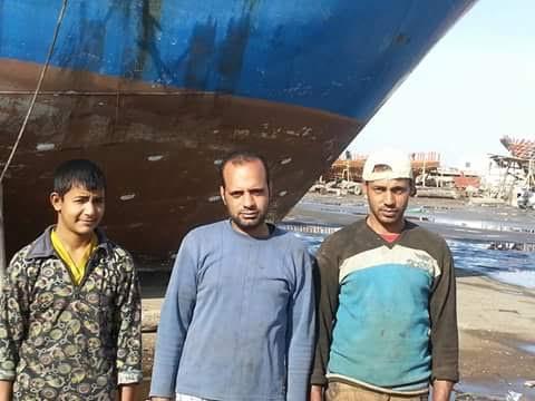 أهالي «برج مغيزل» يطالبون الخارجية بالإفراج عن مركب صيد محتجز في تونس منذ شهر (صور)