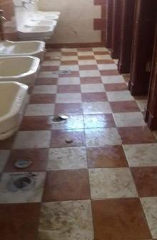 أولياء أمور يشكون الإهمال ومستوى النظافة بمدرسة علي بن ابي طالب بالعبور (صور)