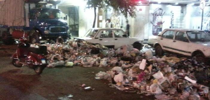 سكان «أرض شريف» يشكون انتشار القمامة وتجاهل المسئولين رفعها (صور)