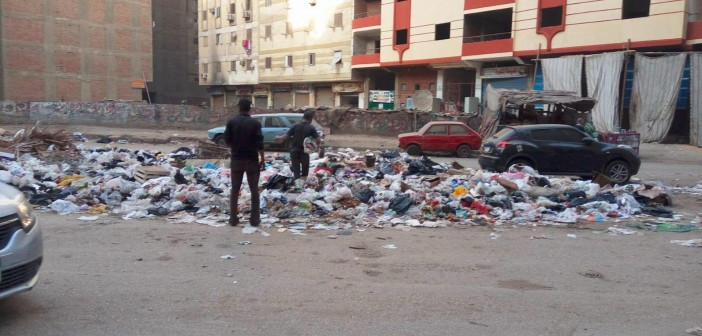 سكان «الطالبية» فيصل يشكون انتشار القمامة في الشوارع (صور)