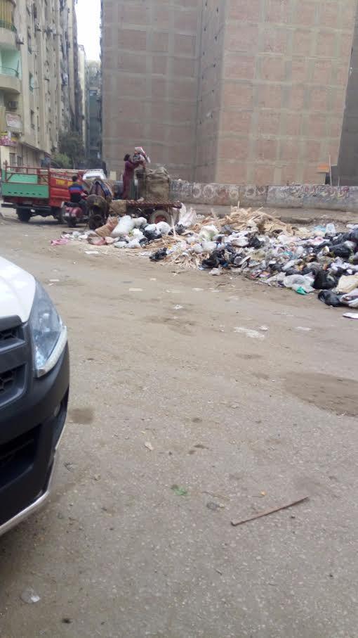 سكان «الطالبية» فيصل يجددون شكواهم من انتشار القمامة في الشوارع (صور)