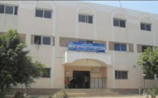 أهالي «زاوية الناعورة» يطالبون باستكمال المستشفى المركزي بالقرية (صورة)