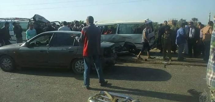 مصرع 6 وإصابة 17 في تصادم على طريق قليوب – شبين القناطر (صور)
