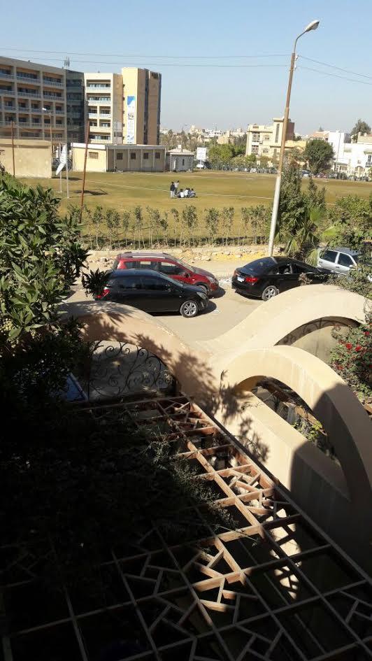 سكان «مساكن شيراتون» يطالبون بنقل فرع الأكاديمية العربية: في الأصل كانت مدرسة (صور)