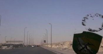 رودا طريق الأوتستراد يشكون سوء الأسفلت والأعمدة المضاءة نهاراً ومطفأة ليلاً(صورة)