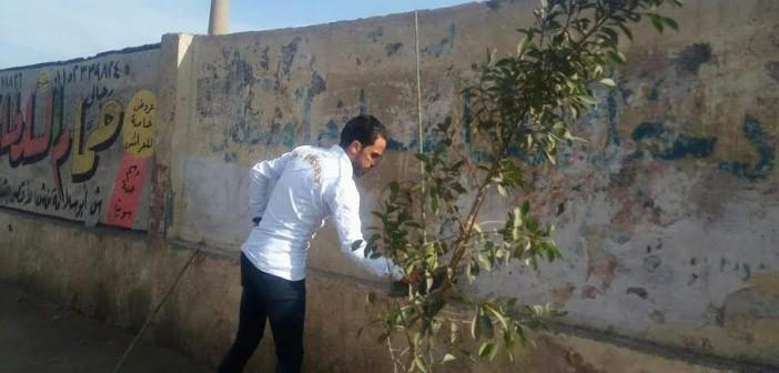 شباب الوراق يدشنون حملة نظافة لكورنيش النيل بمشاركة رئيس الحي (صور)