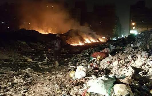 سكان «الحرفيين» يشكون حرق القمامة ليلاً: تعبنا واتخنقنا (صور)