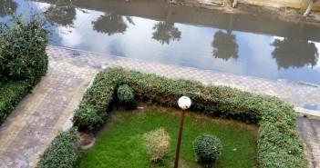 بالصورة.. غرق شارع رئيسي في مدينة الضباط بأبو قير