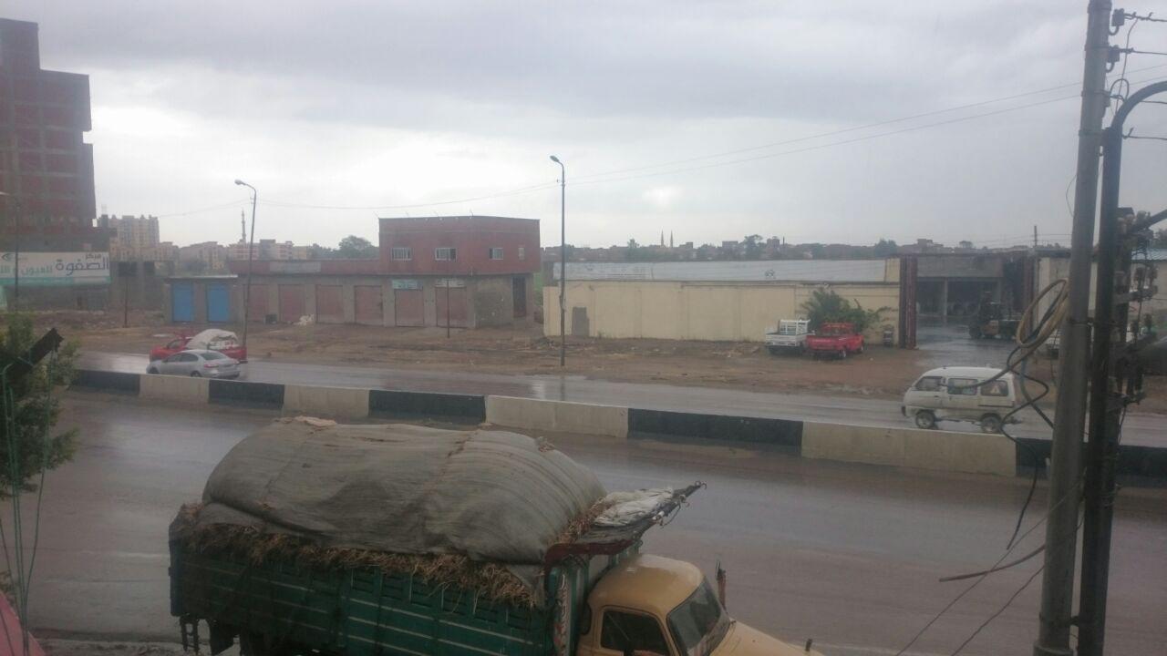 بالصور.. أمطار في كفر الدوار (شاركونا صوركم للأجواء)