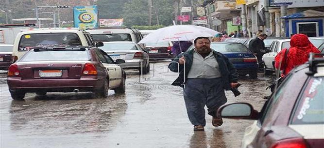 ⛈ سقوط أمطار غزيرة عَ المنصورة مصحوبًا بكرات الثلج (فيديو)