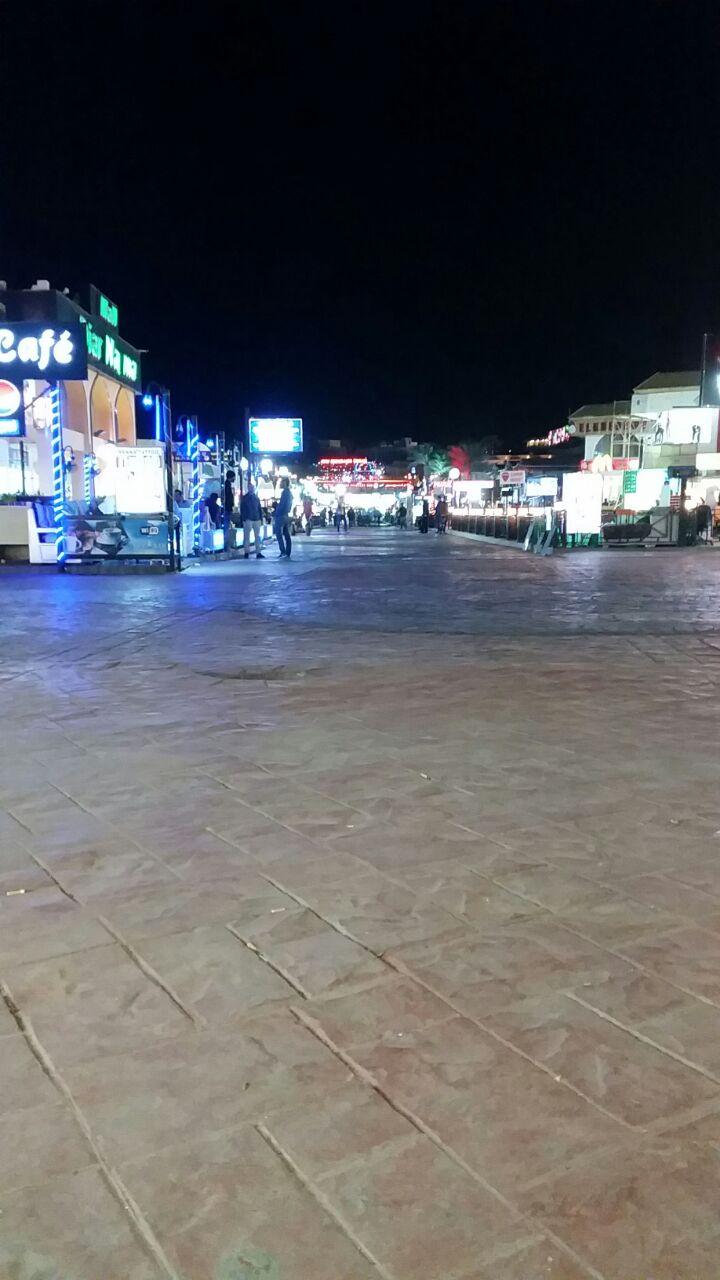 «وصلنا لمرحلة يعجز الكلام عن التعبير عنها».. عامل في شرم الشيخ يصف حالها في غياب السياحة (صور)