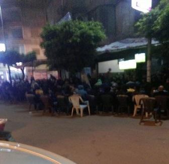 أجواء قمة الأهلي والزمالك في الإسكندرية.. برد وزحمة وتشجيع (صور)