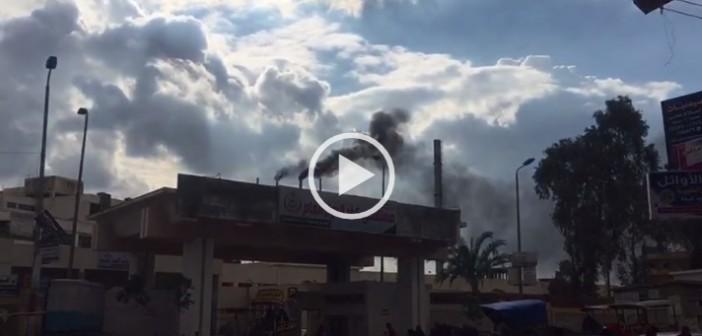 ▶️دخان كثيف لمدخنة المستشفى العام يغطي سماء كفر الدوار (فيديو)