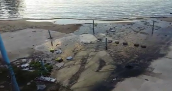 بالفيديو.. مصبات للصرف الصحي على كورنيش ميامي بالإسكندرية