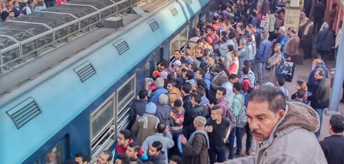 🚇 ركاب للمترو يطالبون بزيادة سرعة التقاطر في وقت الذروة الصباحية (صور)