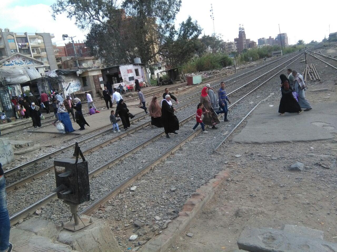 مزلقان إيتاي البارود.. مصيدة للموت تنتظر ضحاياها (صور)