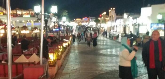 شرم الشيخ ليلا ونهارًا.. موسم سياحي «ضعيف» يضاعف معاناة العاملين في السياحة (صور)