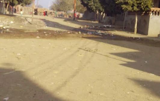 تفاقم أزمة الصرف الصحي بـ«كوم الأشراف» بالشرقية (صور)