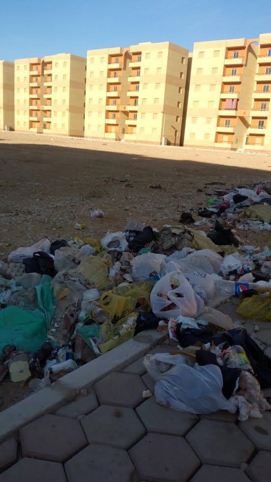 سكان «دهشور» يشكون نقص الخدمات بالمنطقة وانتشار القمامة (صور)