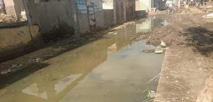 «وزارية» كفر الشيخ غرقت في آخر شتوية.. وأهلها: القرية خارج الخدمة (صور)