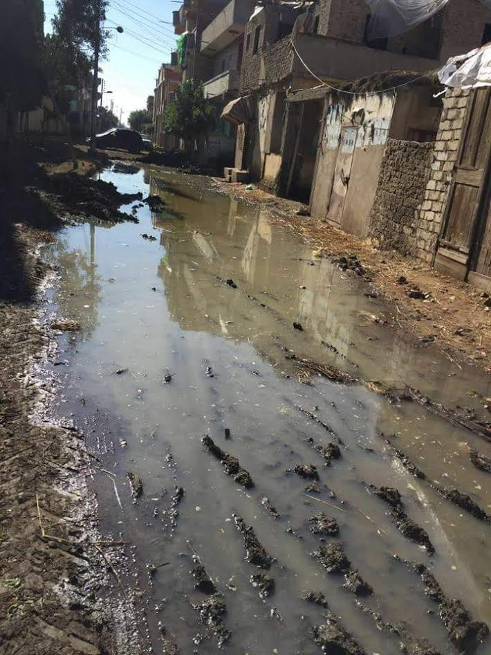 الأمطار تغرق «الوزارية» والأهالي: مفيش خدمات والقرية خارج الخدمة (صور)