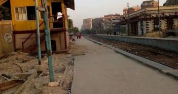 سكان «الخانكة» يرفضون التفريط في لافتة محطة السكة الحديد:عمرها 100 عام(صور)