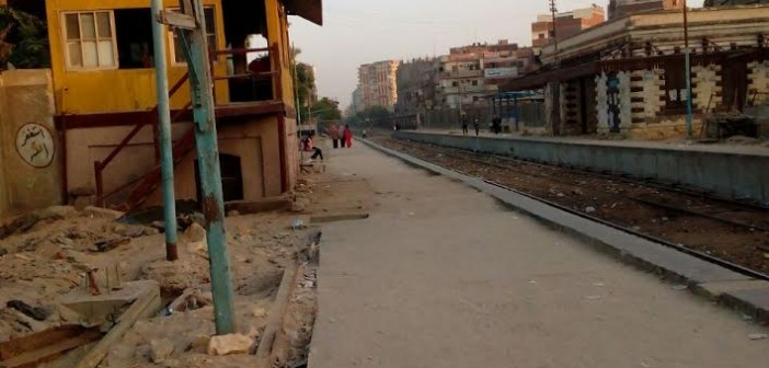 غضب في «الخانكة» بعد تدمير لافتة محطة القطار خلال تطويرها: عمرها 100 عام (صور)