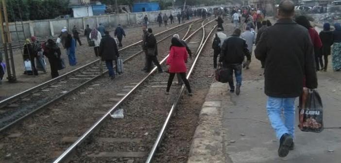 مطالب بكوبري مُشاه لتسهيل عبور ركاب محطة قطار سمنود بالغربية (صورة)