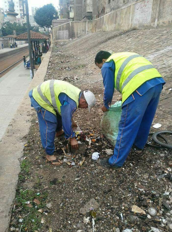 نعاني الأمرين ومرتباتنا ضعيفة.. صرخة عمال «السكك الحديدة للخدمات» (صور)