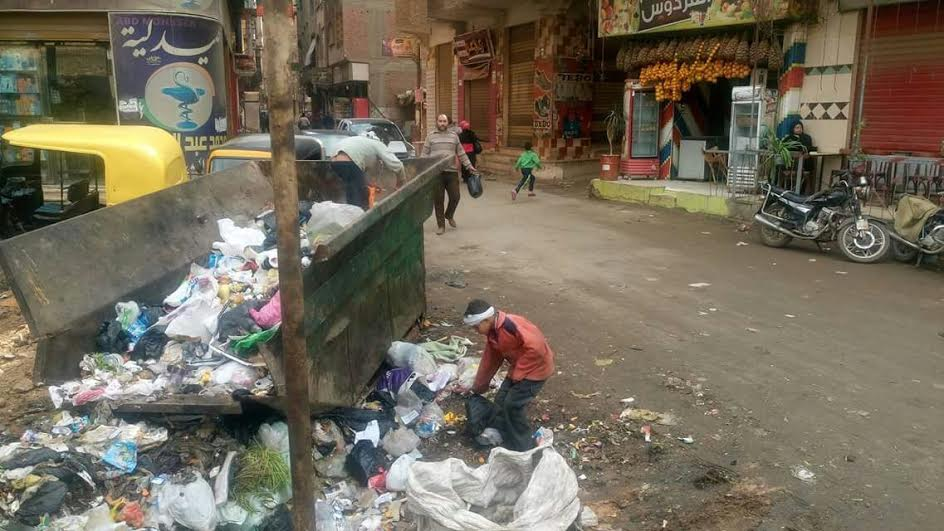 أهالي «الخصوص» يشكون انتشار القمامة في شوارع المنطقة (صور)