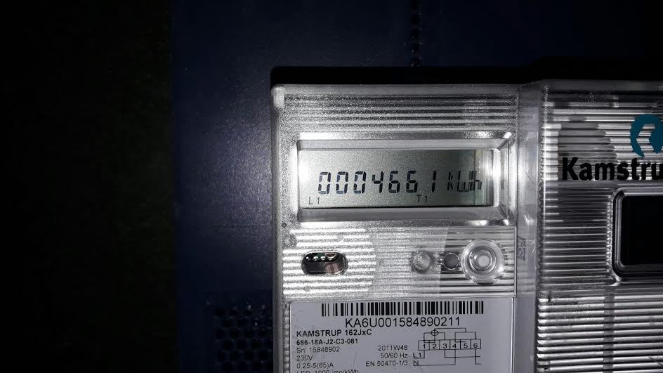 في أوروبا والدول المتقدمة عداد كهرباء لوقت الذروة وأخر عادي (صور)