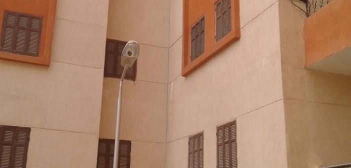 وحدات مشروع «الياسمين» للإسكان الاجتماعي: رشح وتشطيب سئ (صور)