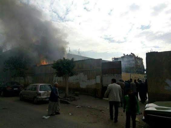 حريق بمدرسة «جمال عبدالناصر» بحي النزهة وقوات الحماية المدنية تسيطر عليه (صور وفيديو)