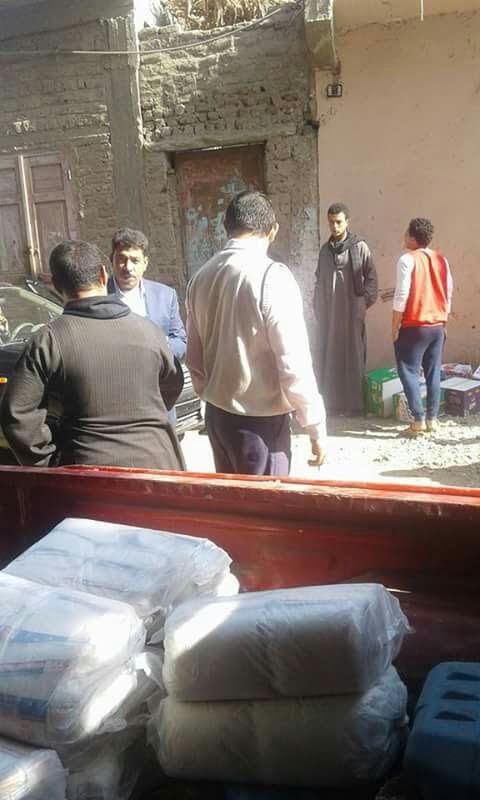 ضبط 100 كيلو سكر قبل بيعهم في السوق السوداء بمركز البيلنا بسوهاج (صور)