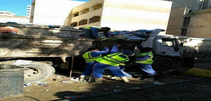 عمال نظافة السكة الحديد: نعيش حياة صعبة ومرتباتنا لا تكفي للعيش (صور)