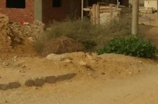 مواطن يرصد مشاهد الفوضى في شوارع «الشروق» (صور)