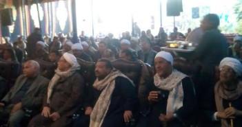 مزارعو القصب يعقدون جلسة لمطالبة برفع سعر الطن ويهددون بوقف توريده (صور)