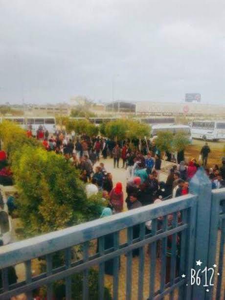 تسمم 48 عامل بسبب وجبة فاسدة بأحد مصانع العبور (صور وفيديو)