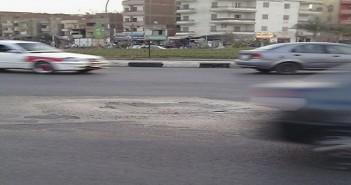 بلاعات شوارع العاشر من رمضان بحاجة إلى الصيانة (صور)