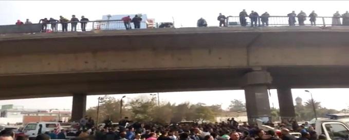 فيديو.. سقوط سيارة من أعلى كوبري الهايكستب