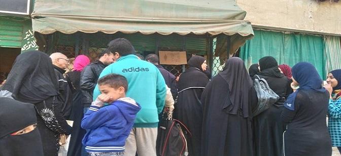 نقص مقررات التموين بشبرا الخيمة.. ومواطن: انخفضت حصتنا من الزيت (صور)