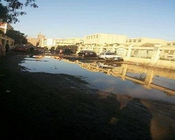 أعمال حفر تتسبب في قطع المياه وعرقلة المرور وطلاب المدارس في بهتيم