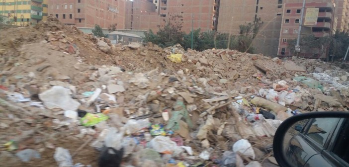 جبال من القمامة والمخلفات في «كعبيش» بالجيزة (صور)