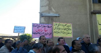 صور| وقفة لعمال «المضارب العربية»: الأرز أمن قومي.. وردنا طنًا واحدًا بدلا من 150 ألف