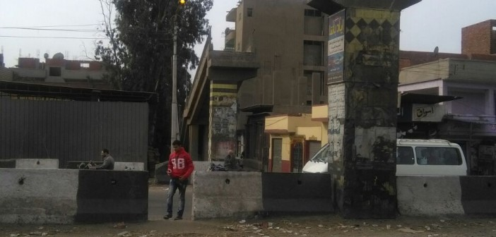 أهالي «ميت ناجي» يطالبون بإعادة إنشاء كوبري المشاة لحماية المارة (صور)