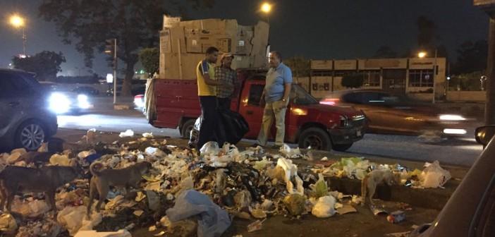 تفاقم أزمة القمامة في شوارع النزهة وسط تجاهل المسؤولين (صور)