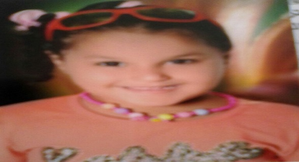 مفقودون.. أسرة طفلة بمدينة السلام تطلق نداء استغاثة للعثور عليها بعد اختفائها
