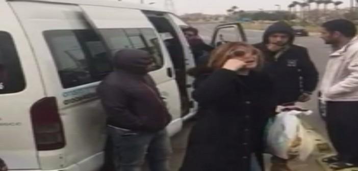 لحظة منع طاقم قناة «الحياة» من دخول «مدينتي» (فيديو)