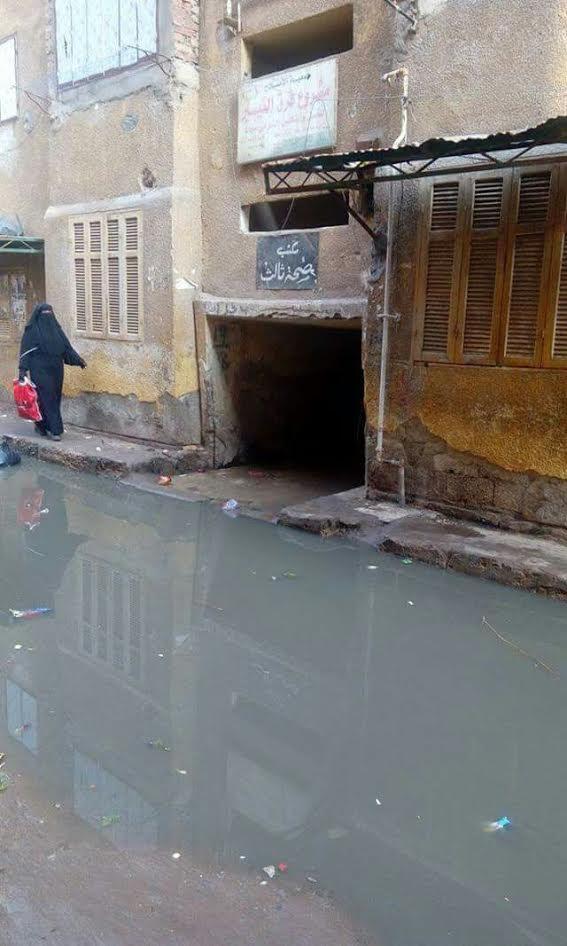 غرق مكتب صحة ثالث بمدينة المحلة الكبرى بمياه الصرف الصحي (صور)